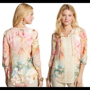 Chico's Diffused Floral Lynelle Top Size 1 / 8